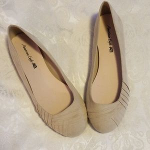American Eagle  Lady's Bree Pleated Flats